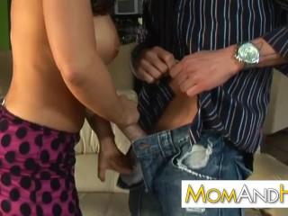 MILF Lisa Ann gets all wet during hot fucking