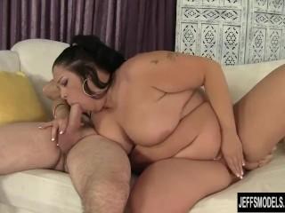 Brunette fatty Aire Fresco loves fat dick