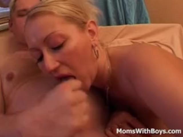 Amateur Milf First Lesbian