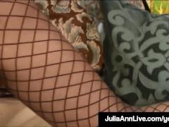 Major Hot Mommy Julia...