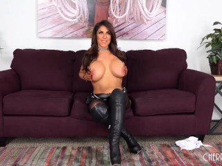 Raven Hart Is One Wild MILF Who Loves Sex And Does It Live