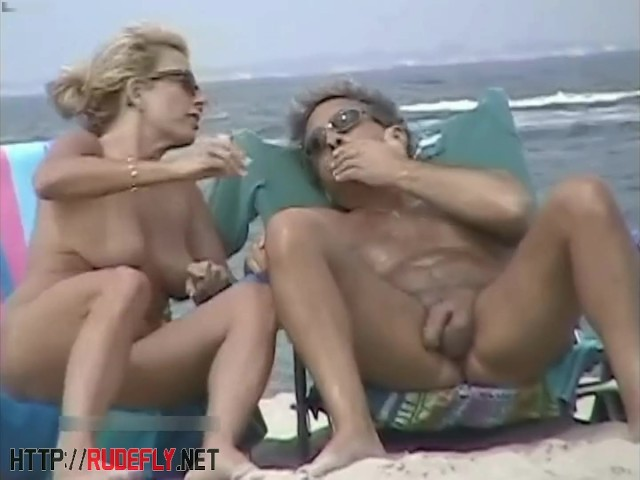 Beach Voyeur Cam Is Showing Hot Naked Chicks - Free Porn -4418