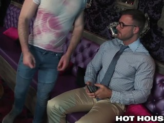 HotHouse Hung Daddy Austin Wolf Fucks Cut Hottie In Hotel Room