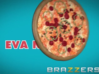 Brazzers - Hot Milf Eva Notty gets Naughty with the pizza boy