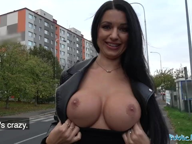 Public Agent Milf Loses Handbag And Her Panties - Free -6925
