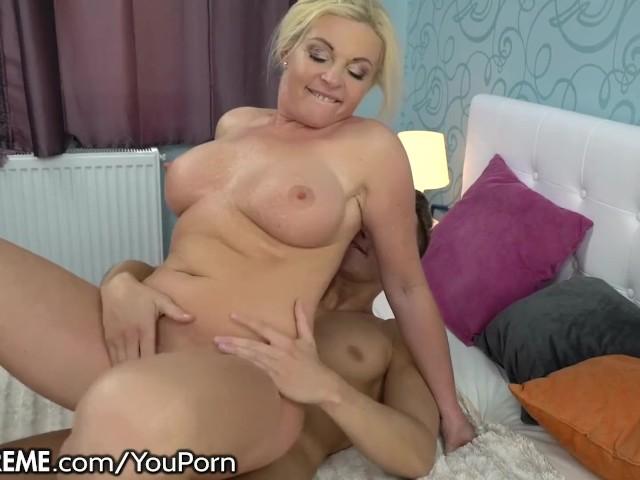 Mature Cougar Sucking Cock