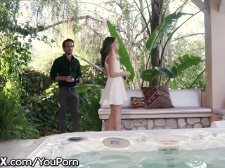 Teen Kimmy Granger Gets A Creampie In Public- HOT!