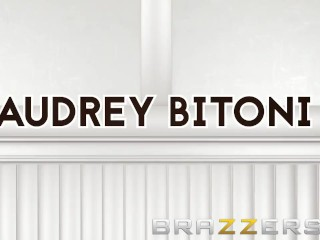 Brazzers - Audrey Bitoni gets physical... therapist