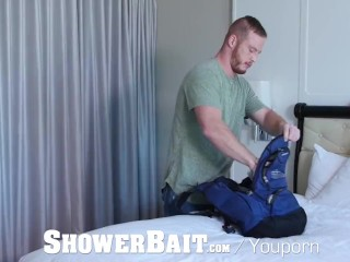 ShowerBait Str8 Chris Woods shower fucks Liam Aries