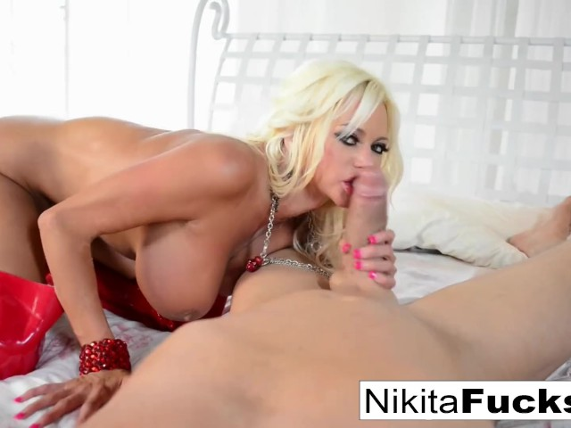Tight Pussy Takes Huge Cock