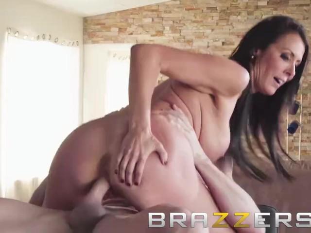 Slutty Milf porno