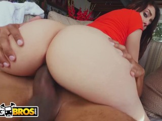 BANGBROS – Young PAWG Mandy Muse Shakes Her Immense Anal and Smashes
