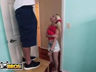 BANGBROS - Handyman J-Mac Stretches Piper Perri's Tight Teen Pussy!