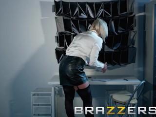 Brazzers - Dirty boss Lili Vanilli wants some big cock