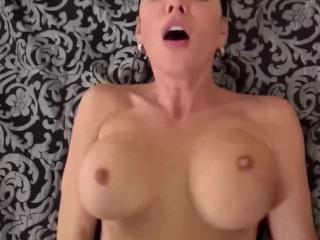 Spizoo - Sexy red head Jessica Parker sucking 3 big dicks, big boobs