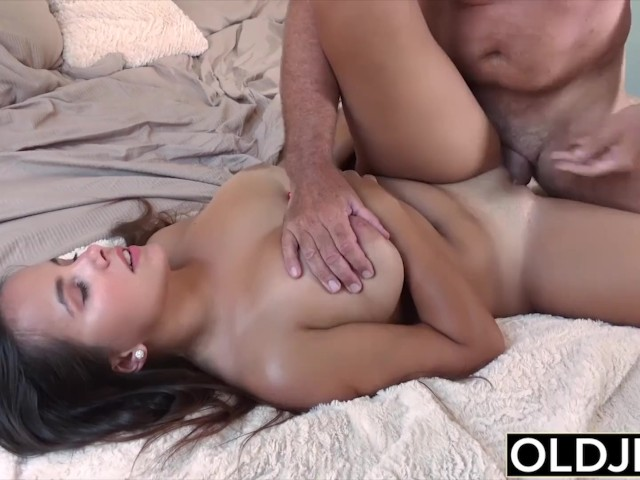 Tight Gripping Pussy Riding