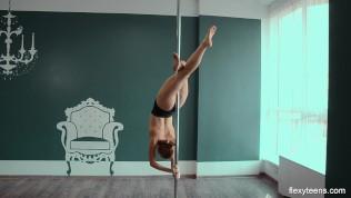 LS-Magazine lsm 10-01 bonus gymnast train naked.avi ▶