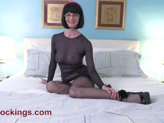 Pantyhose/getting blowjob and fingered