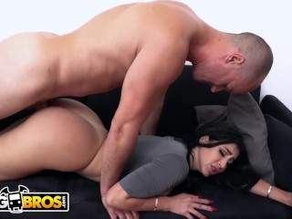 BANGBROS – Valerie Kay's BF Sean Lawless Gets Seduced By Her Busty Roommate, Natasha