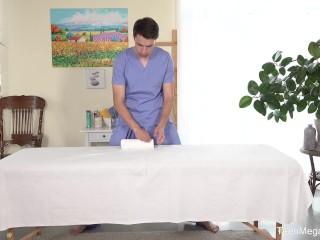 Tricky-Masseur.com - Effy Sweet - Hard work on massage table