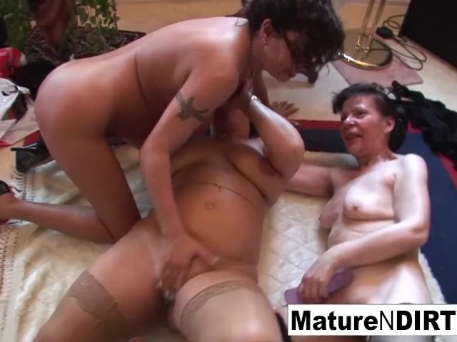 Hot Sexy Naked Lesbians