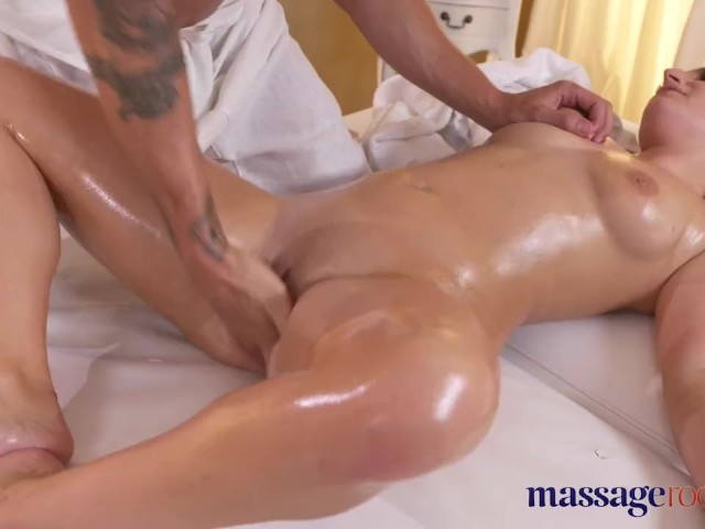 Clit Massage Multiple Orgasm