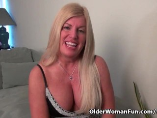 American milf Blake gives her shaven pussy a workout with her fingers