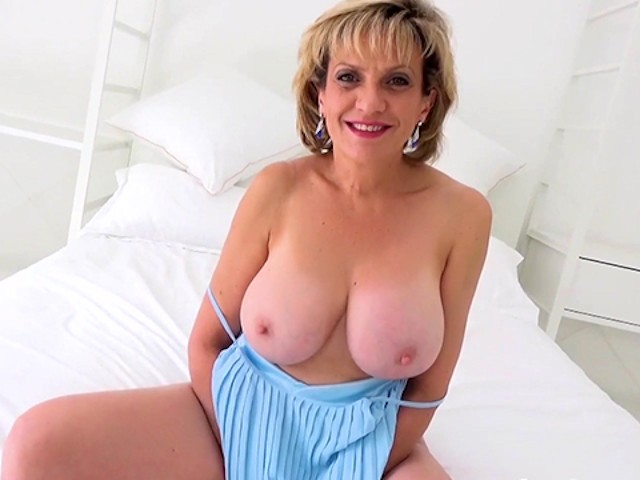Sexy British Mature Lady Sonia Plays With Her Hard Nipples -1653