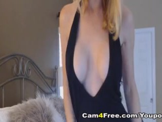 Pretty Hot Chick Fuck Her Holes Using Her Toys