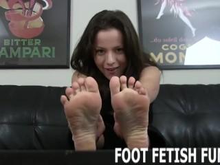 Feet Worshiping And Femdom Foot Fetish Videos