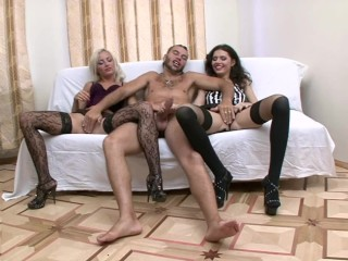 Hot babes Ania and Sonia having their first threesome
