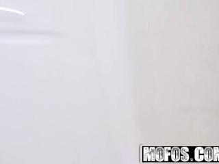 Mofos - Ebony Sex Tapes - Nicole Bexley - BF Tit Fucks Big Booty Teen.mp4