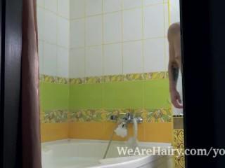Jadeite White enjoys masturbating in her tub