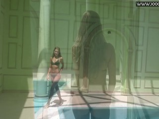 Tiffany Tatum strips naked underwater