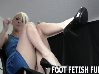 Foot Fetish Fantasy And Femdom Feet Worshiping