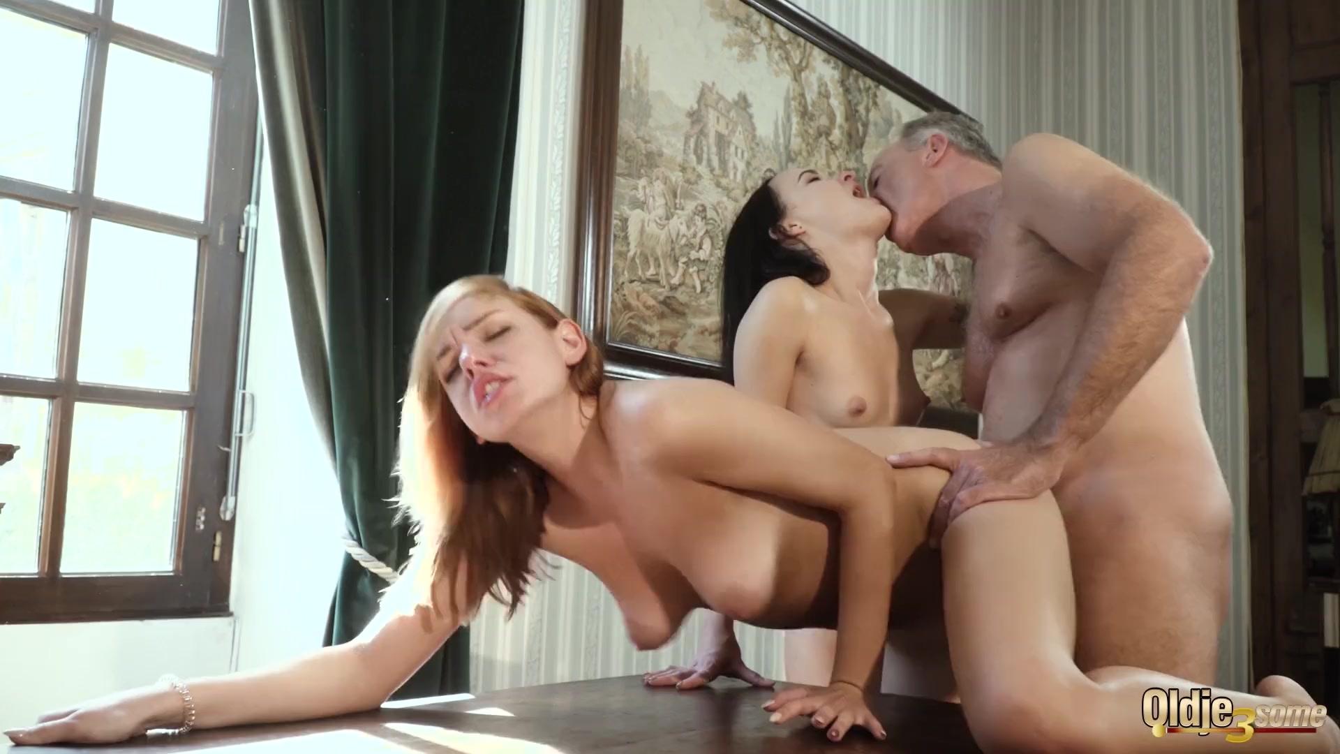 Natalie horler nackt