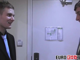 Bare banged Euro twink wants to get sprayed with jizz