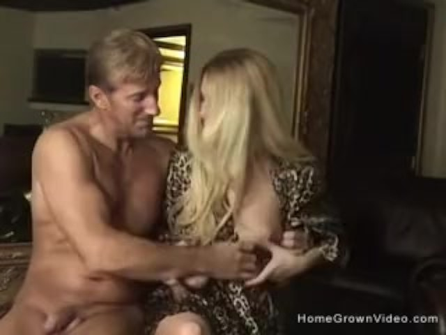 Amateur Couple Golden Shower