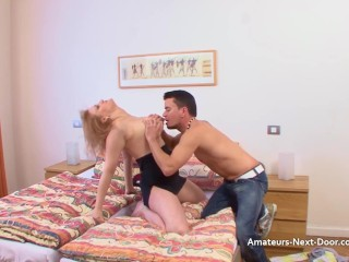 Amateur with mummy tummy takes cock well