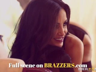 Brazzers - Jessica Jaymes has the need for speed and deepthroating