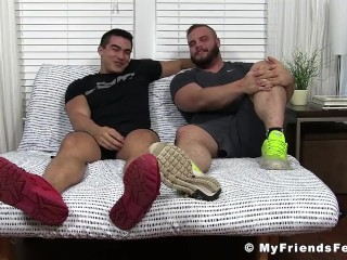 Feet worship and jerk off session with two horny studs