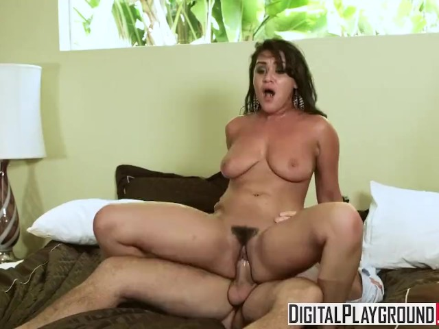 Amateur Teen Records Herself