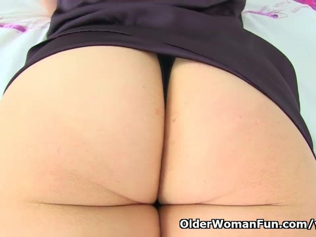 English Milf Kitty Cream Fingers Her Fabulous Fanny - Free -4317