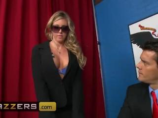 Brazzers - Big tit Samantha Saint Works her way up by Sucking The Senator