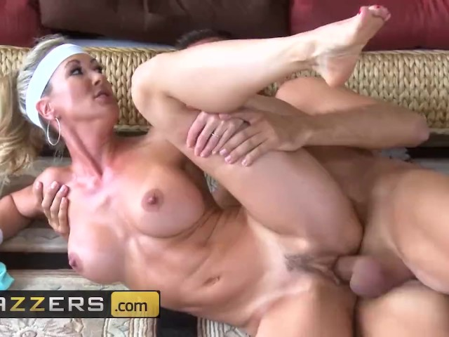 Brazzers - Yoga Mom Brandi Love Has Hard Abs And Loves Hard Cock - Free Porn Videos - Youporn-9010