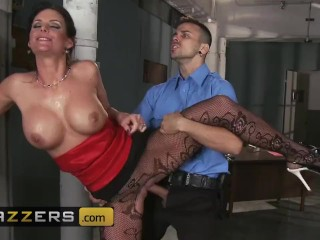 Brazzers – Phoenix Marie gets roughed up and stuffed by cop in front of her husband