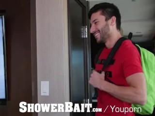 ShowerBait Spied on str8 guy fucked in shower
