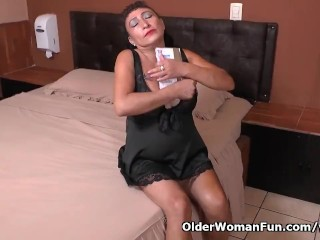 This nylon crazed Latina milf knows how to play