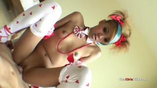 คลิปโป๊ คลิปหลุด XXX  Emo Thai princess gets stuffed with cock