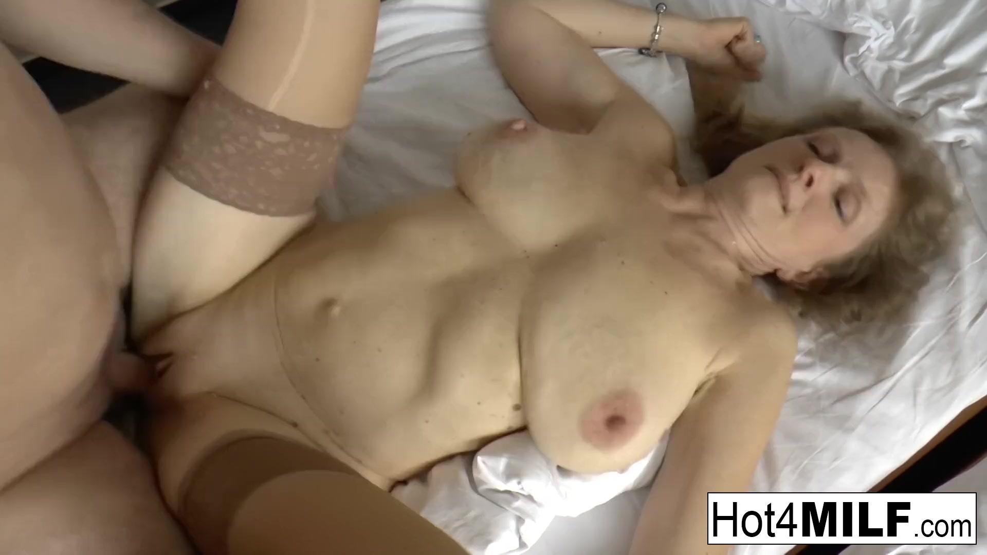 Mature big natural tits